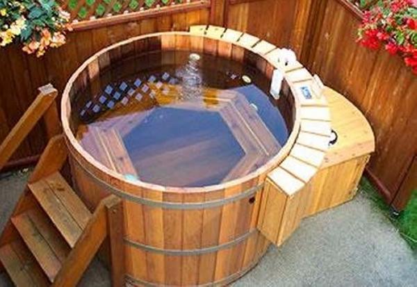 pallet hot tub